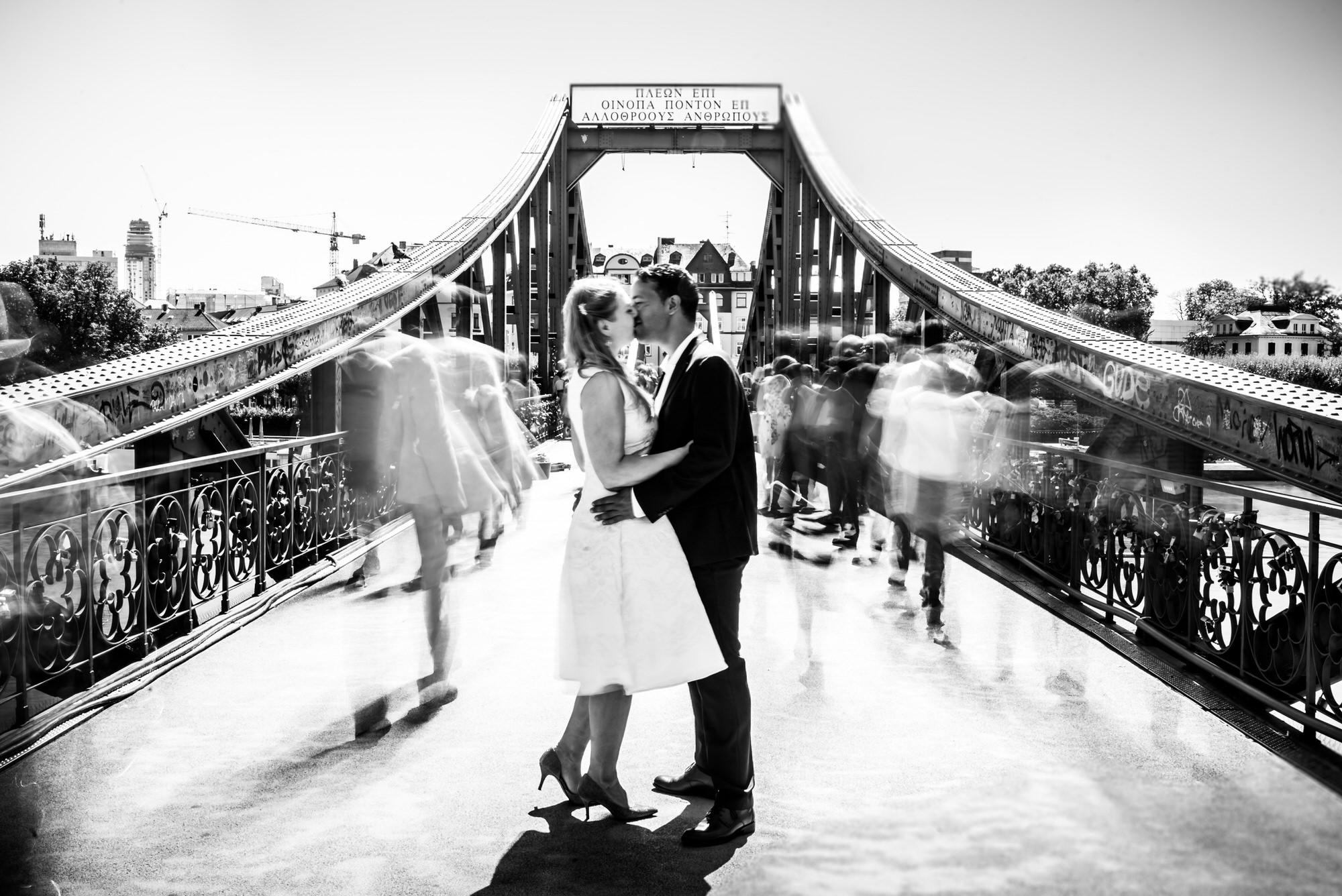 Hochzeitsfoto Eiserner Steg Frankfurt