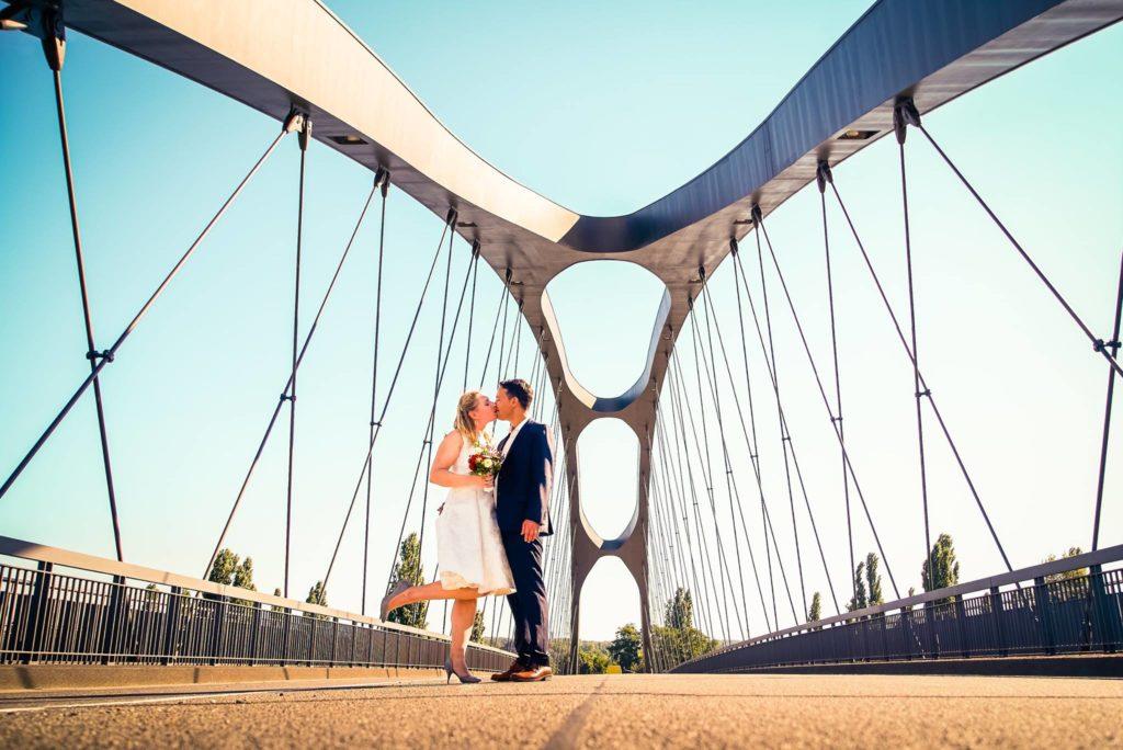 Hochzeitsfoto Frankfurt am Main Osthafenbrücke
